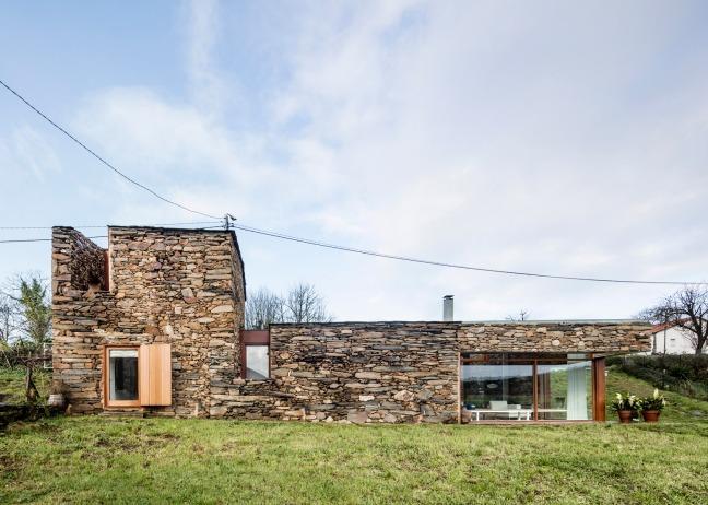 casa restaurada ribeira Sacra Galicia 01