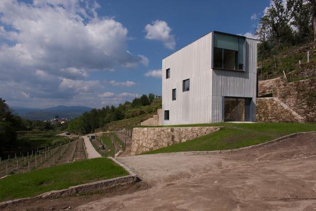 Melgaço alvarinho houses 02